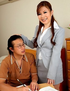 Hot teacher babe Sae showing off