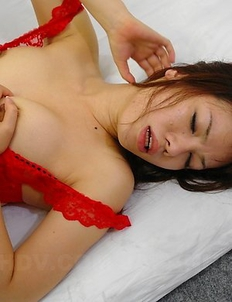 Slut Remi Kawamura gets all tied up