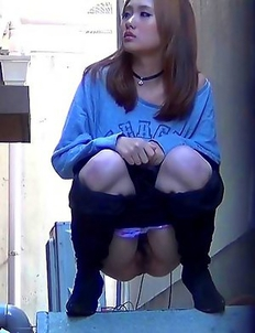 Japanese Piss Fetish Videos - Girls Pissing